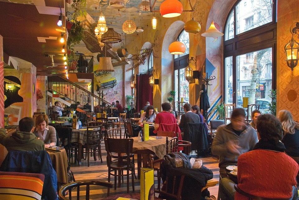 ¿Dónde comer en Budapest? En el bar Szatyor